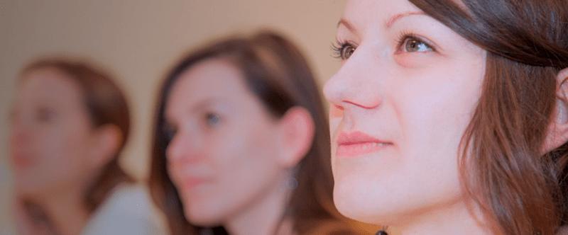 Face aux maladies apparentées : France Alzheimer déploie des formations dédiées