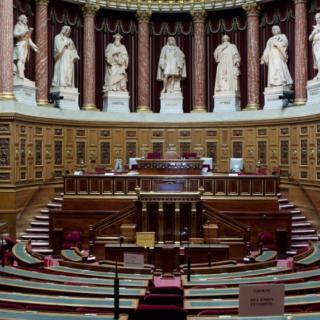 France Alzheimer apporte son soutien aux personnes malades abusées par Messieurs Joyeux et Fourtillan